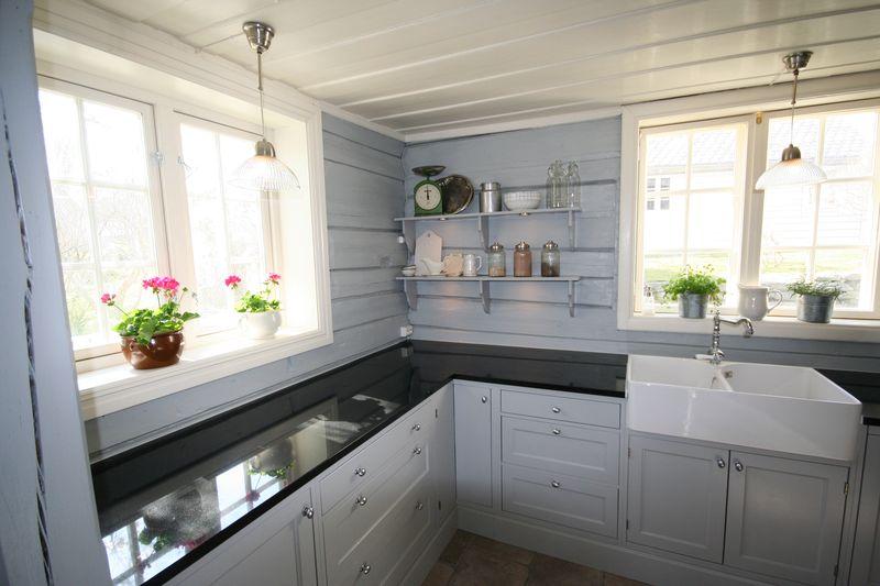 grå kjøkkenbenk